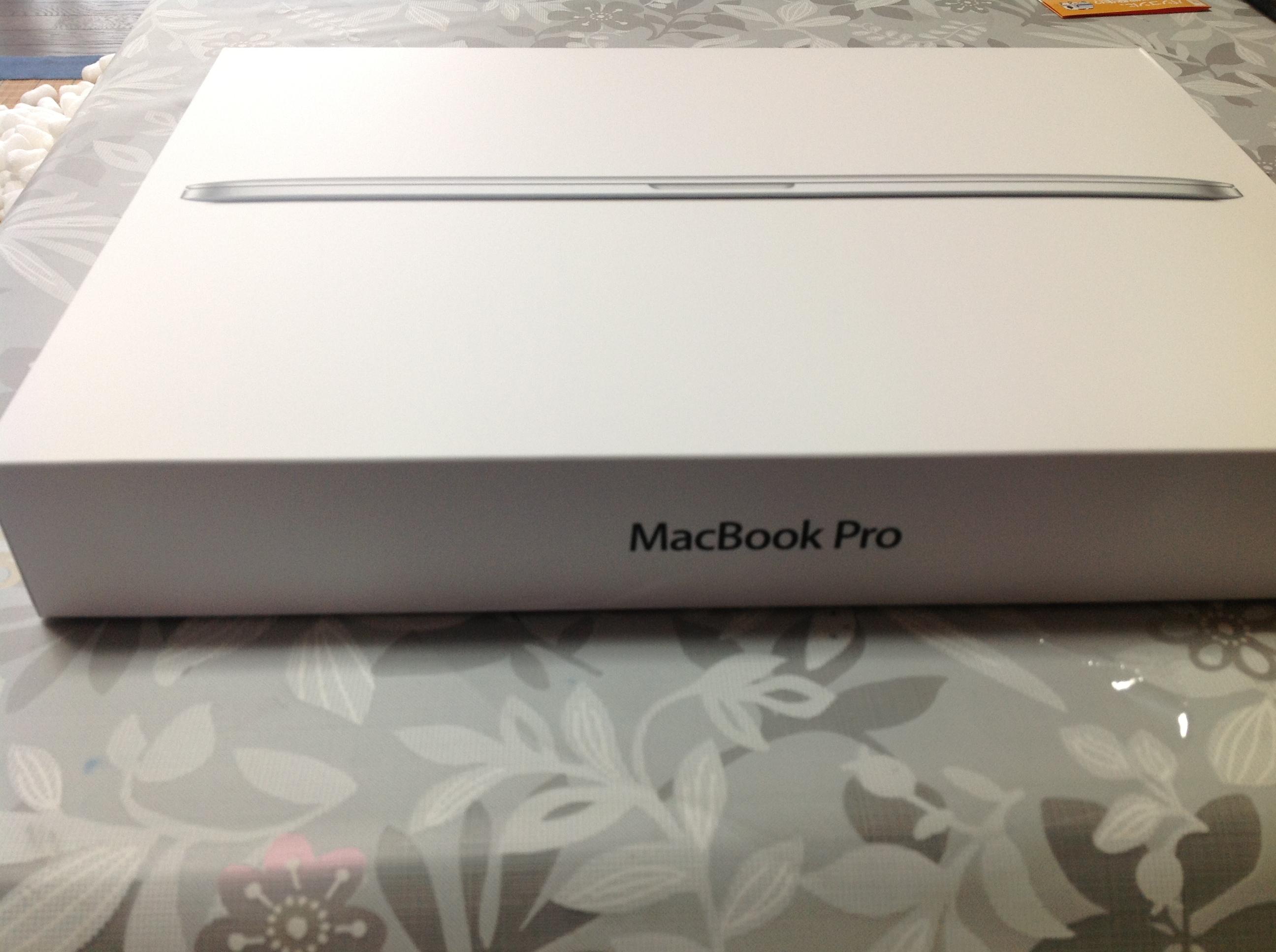 MacBookProRetinaの箱