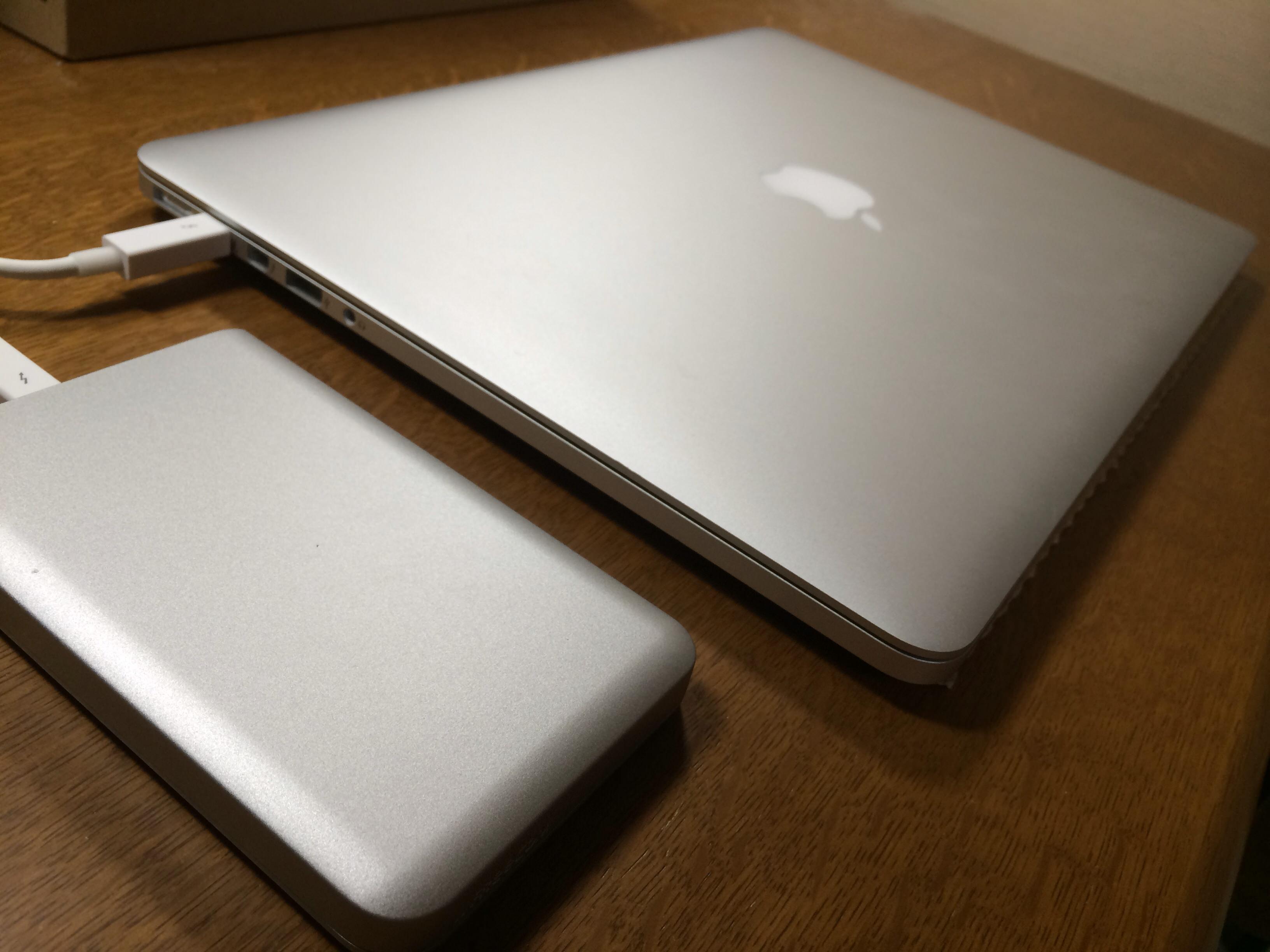 MacBookの素敵なデザインとも完全にマッチ!