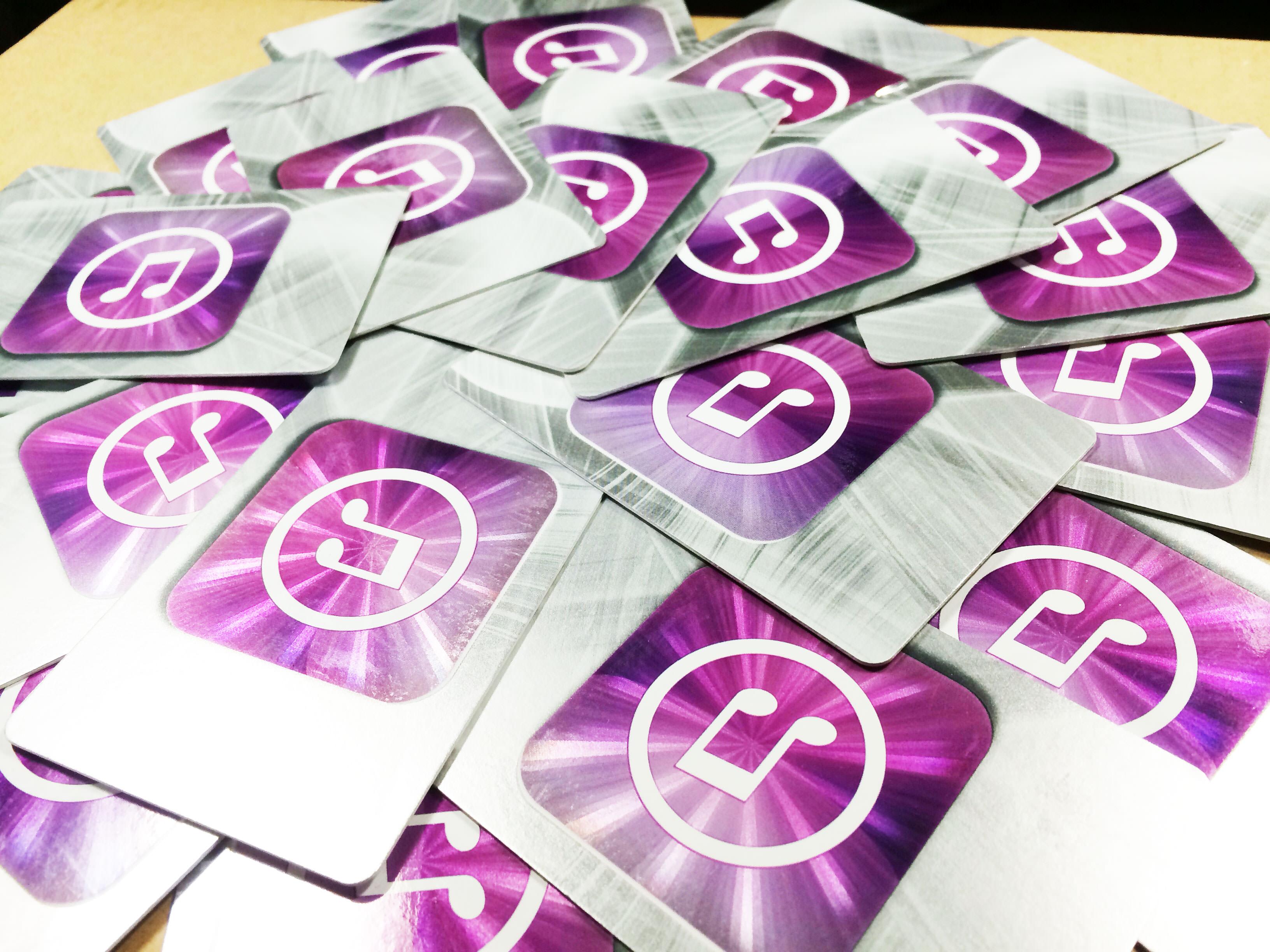 大量のiTunesカード