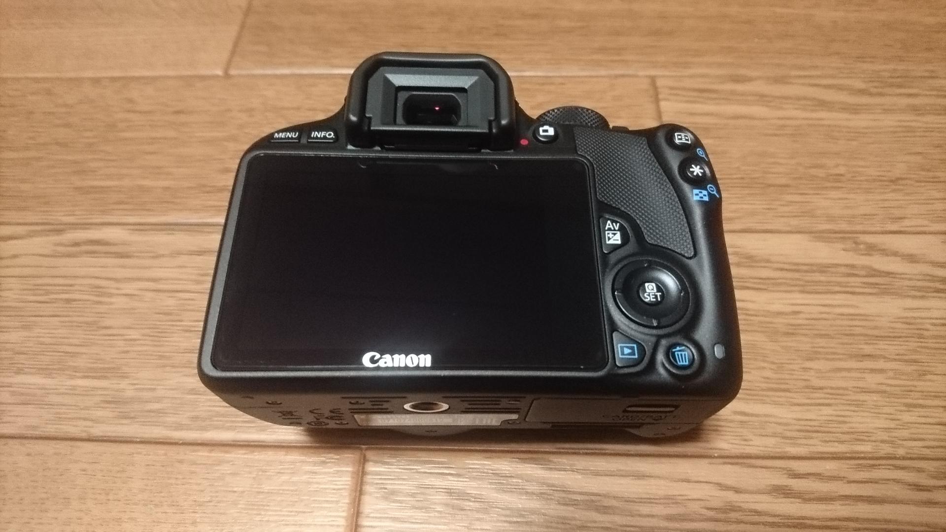 Canon EOS Kiss X7 ボディー背面