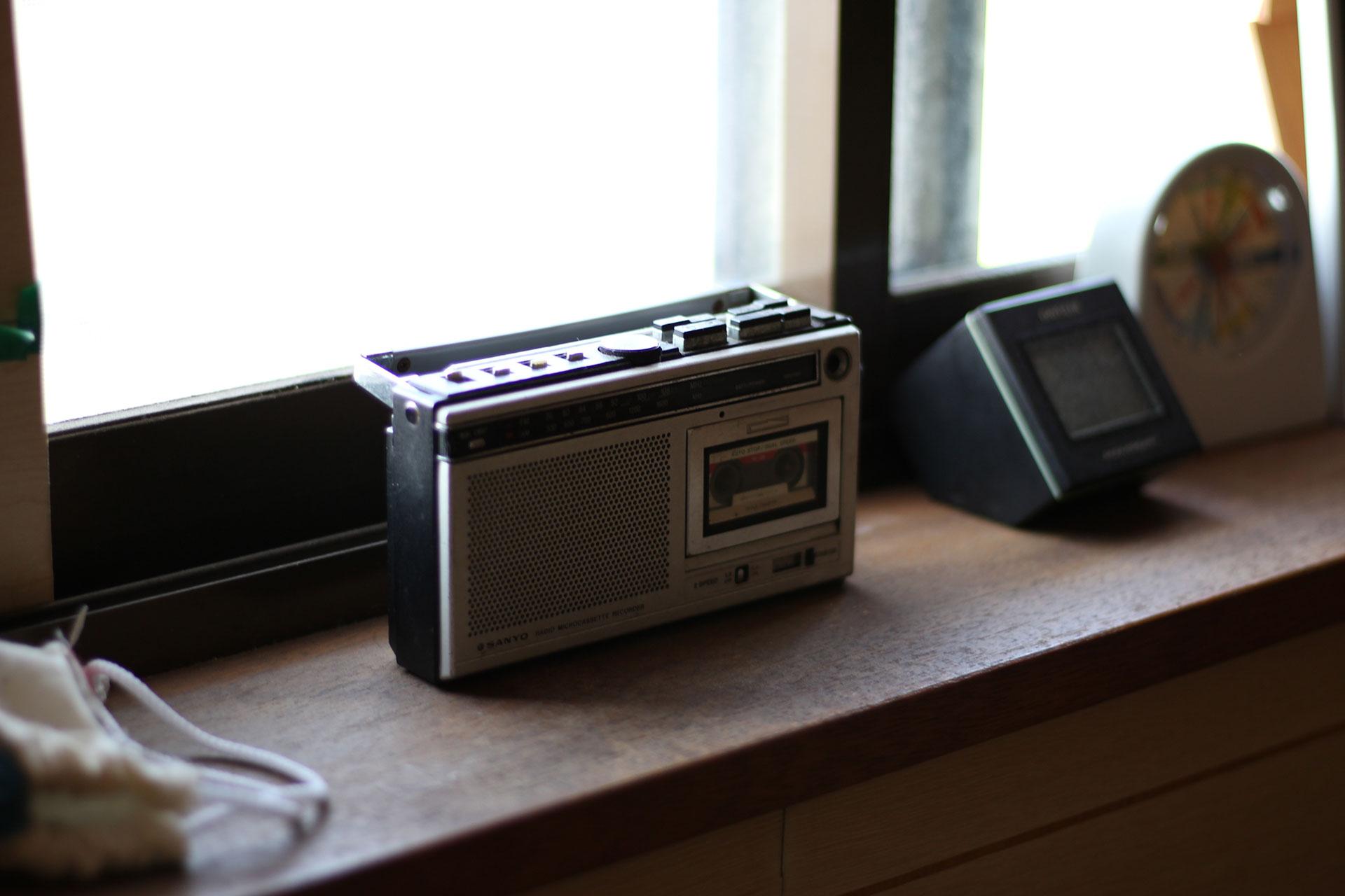 自宅のSANYO製ラジオ