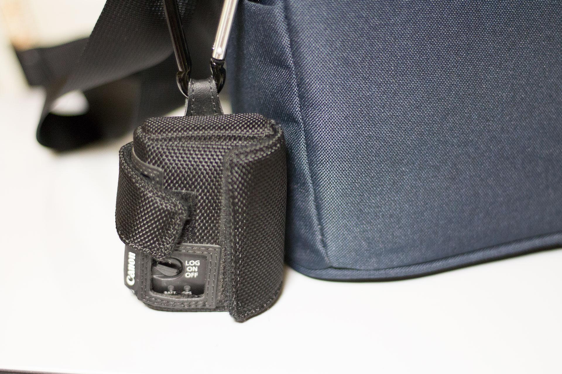 Canon GPS Receiver GP-E2とバッグ